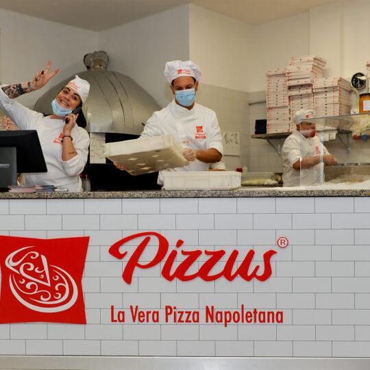 Pizzeria_Pizzus_Spinea_bancone